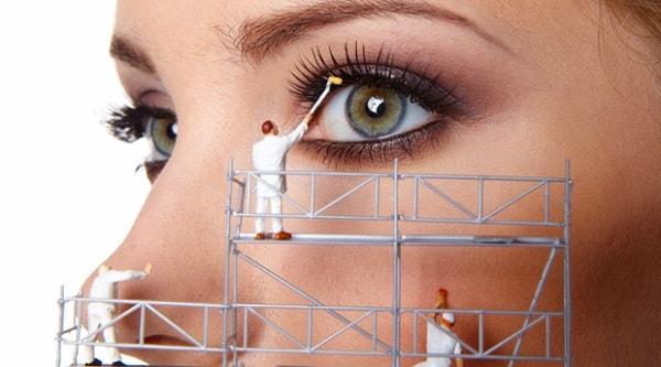 Как правильно снимать макияж, чтобы как можно дольше быть молодой и красивой.