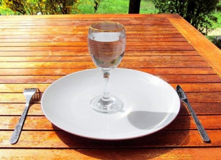 Почему надо воздержаться от строгих диет и голодания