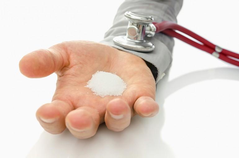Последствия избытка натрия в рационе, интересные приемы для уменьшения потребления соли