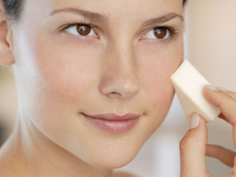 Как тональный крем, может стать подарком для нашей кожи