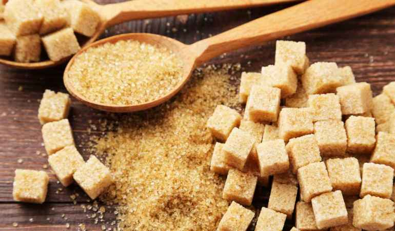 Почему коричневый сахар не полезнее белого