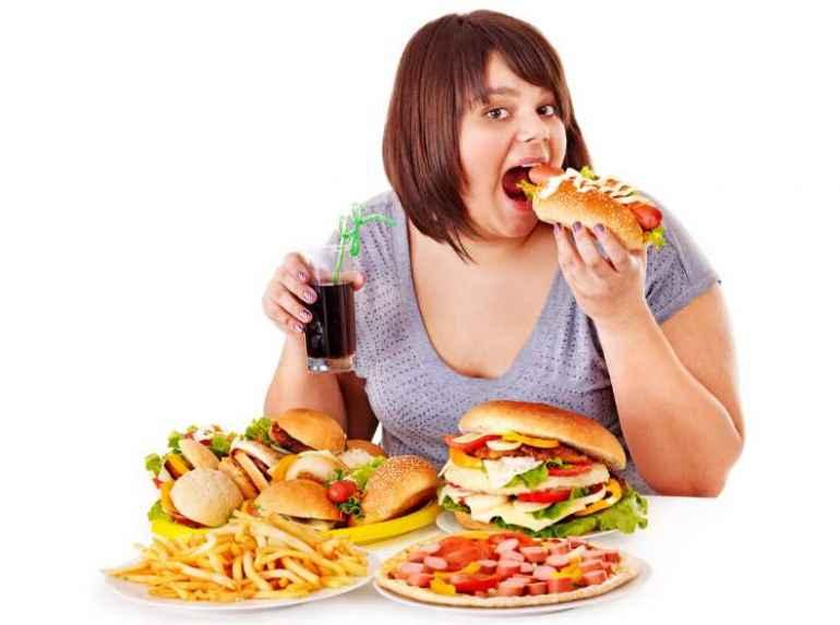 Как избавиться от привычки переедать за столом