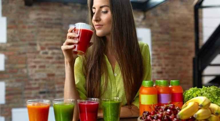 Почему не рекомендуется и нельзя пить соки при соблюдении диеты в больших количествах?