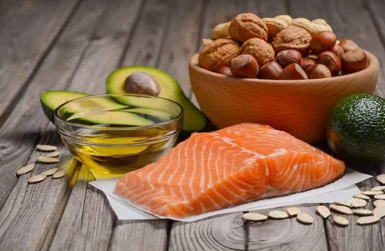 В употреблении, каких жирных продуктов нельзя себе отказывать, даже если принято решение похудеть