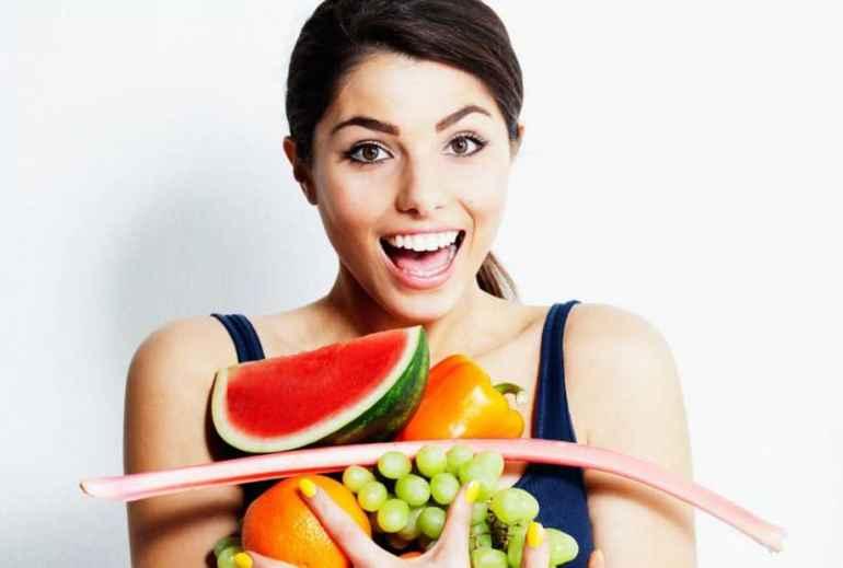 Почему опасно худеть на фруктовой диете