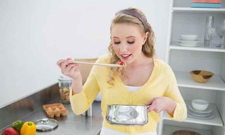 Почему при похудении нельзя пробовать пищу во время готовки