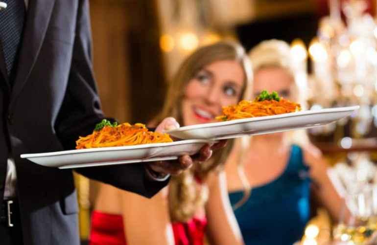 Как удержаться от вкусных соблазнов на диете, если намечается банкет
