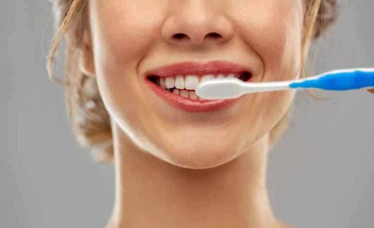 Как уловка с чисткой зубов помогает сбросить вес