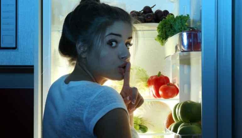 5 вечерних привычек, которые не дают вам сбросить лишний вес
