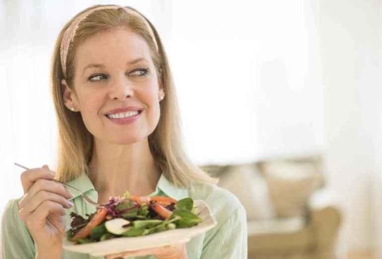 Как питаться женщинам после 50 лет, чтобы не набрать лишний вес