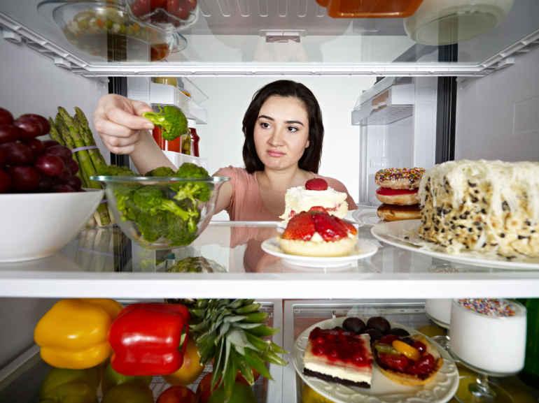 Почему нельзя отказываться от любимых продуктов даже на диете