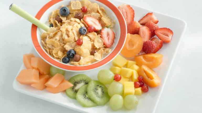 Должен ли завтрак на диете быть сытным