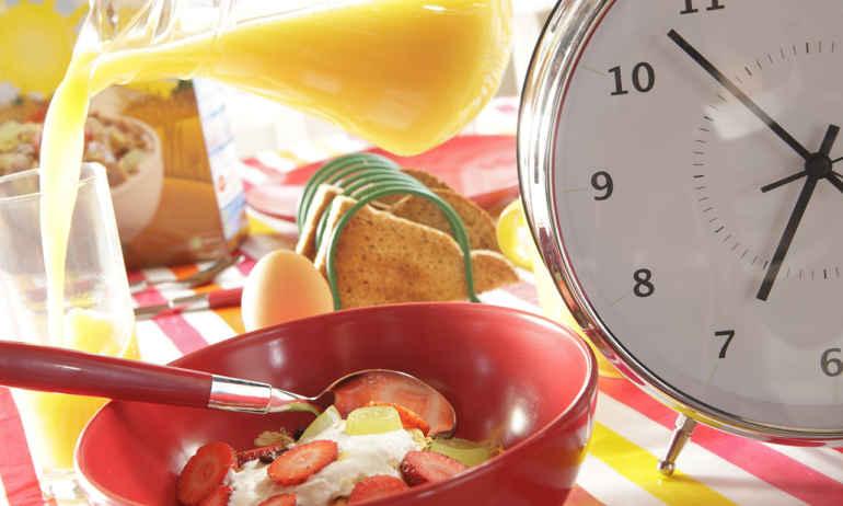 Почему время приема пищи не менее важно, чем сама еда