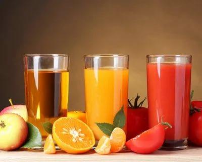 Почему лучше съесть целый фрукт, чем выпить стакан фруктового сока
