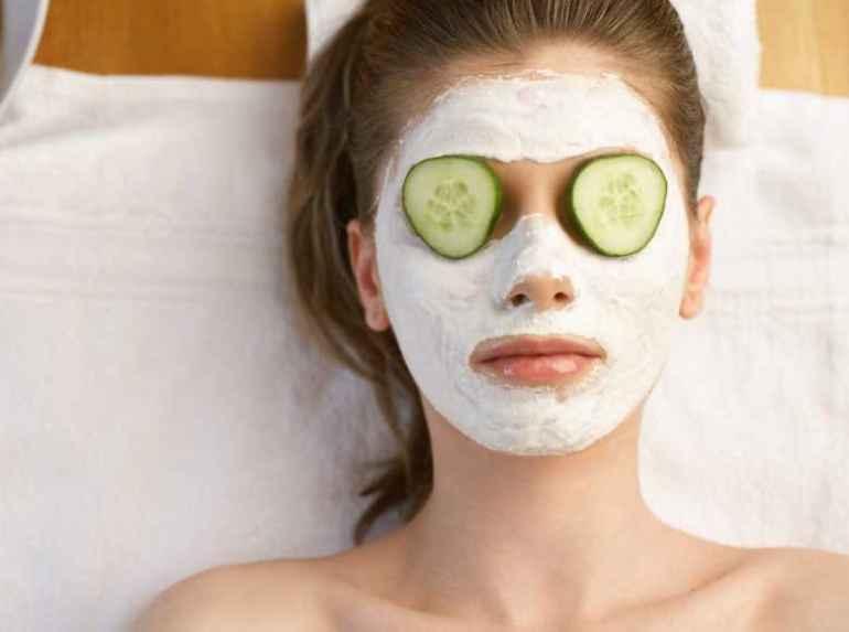 Какие маски для лица по домашним рецептам действуют не хуже покупных средств