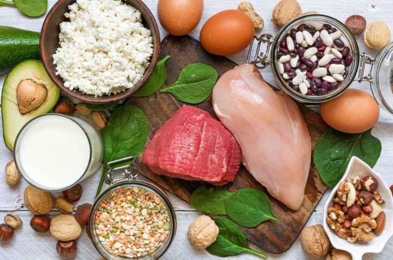 Как с помощью белковых продуктов подавлять чувство голода на диете