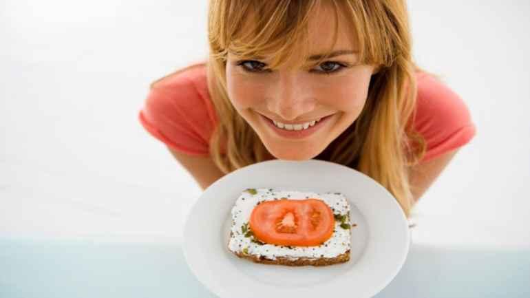 5 причин, по которым маленькие порции похудеть не помогают