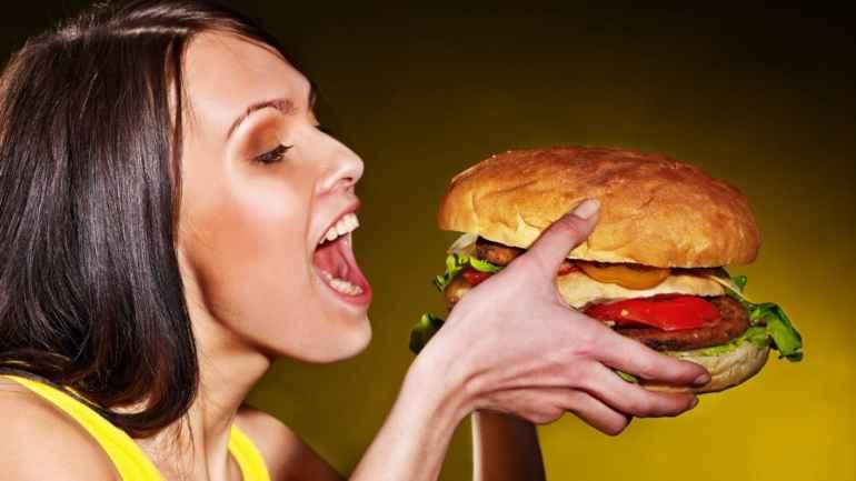 Почему фастфуд почти не утоляет голод и провоцирует чрезмерный аппетит