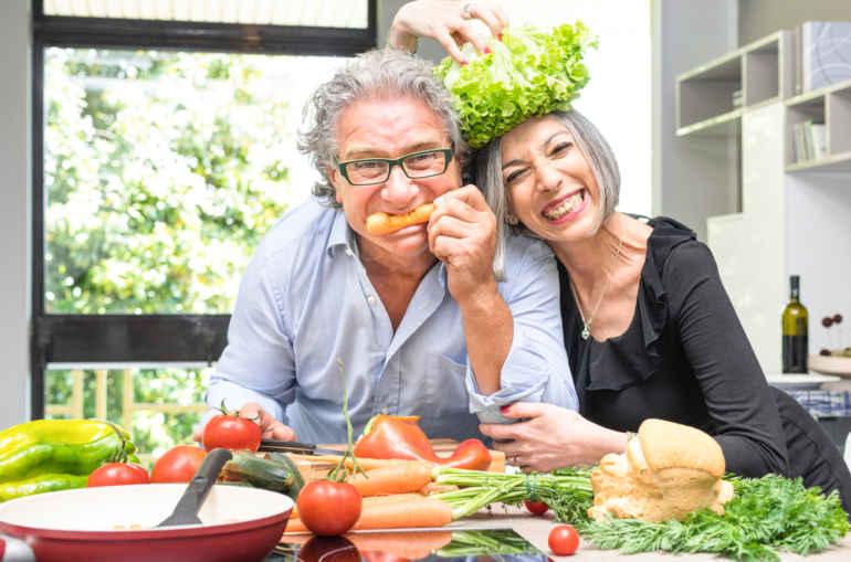 Как худеть после 50:принципы питания, которым стоит следовать всю жизнь