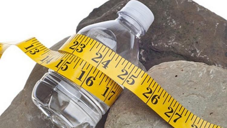 Почему не стоит увлекаться питьевым режимом для похудения