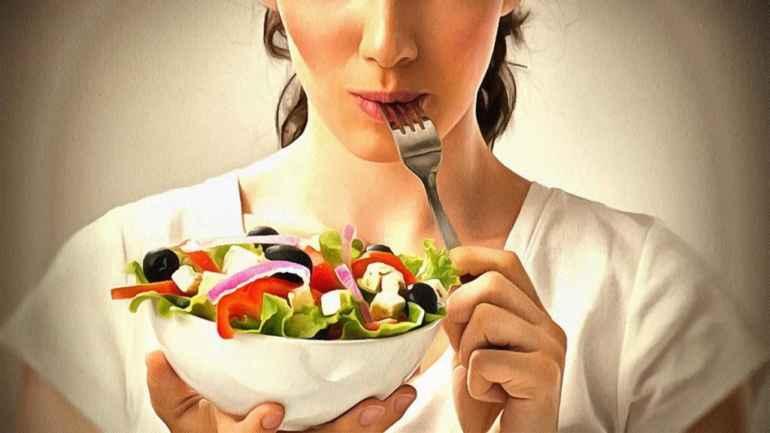 Как соблюдать диету, не оставаясь голодной: 5 принципов здорового похудения
