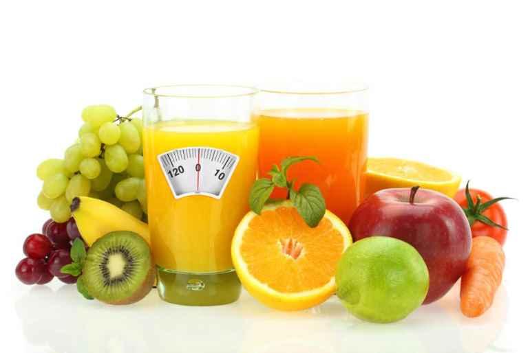 Почему фруктовые соки на диете вредны, а овощные полезны