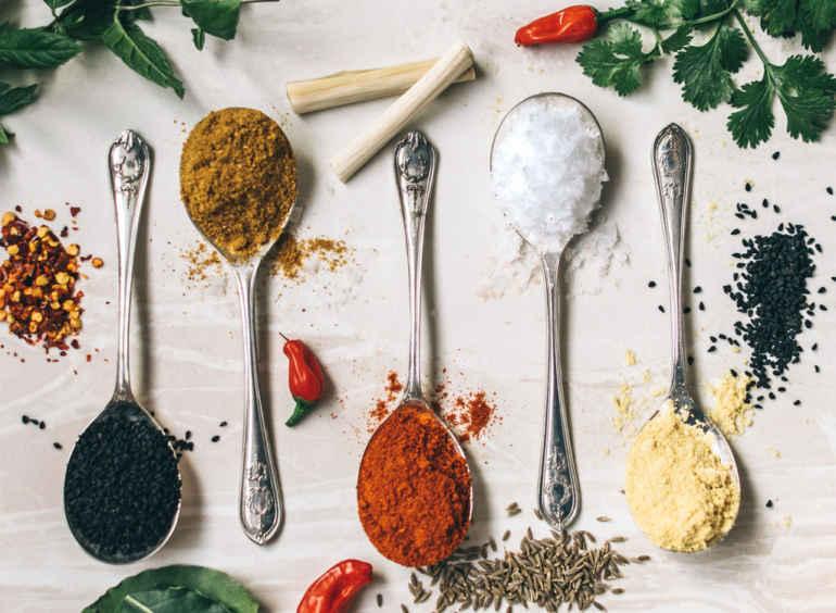 Как правильно добавлять специи в еду, чтобы худеть быстрее