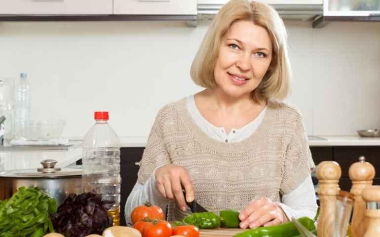 Какая диета поможет сбросить вес дамам за 50