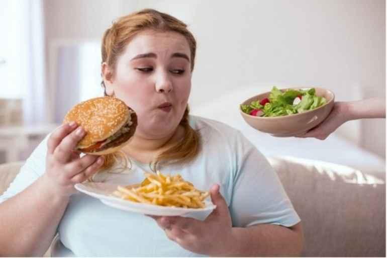 Что делать при срыве диеты, чтобы калории не ушли в бока