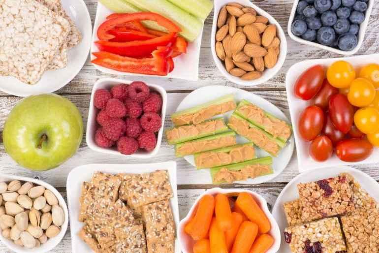 5 причин всегда держать на виду полезные перекусы