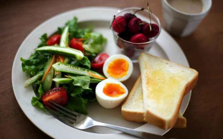 Что стоит есть на завтрак, чтобы разогнать метаболизм