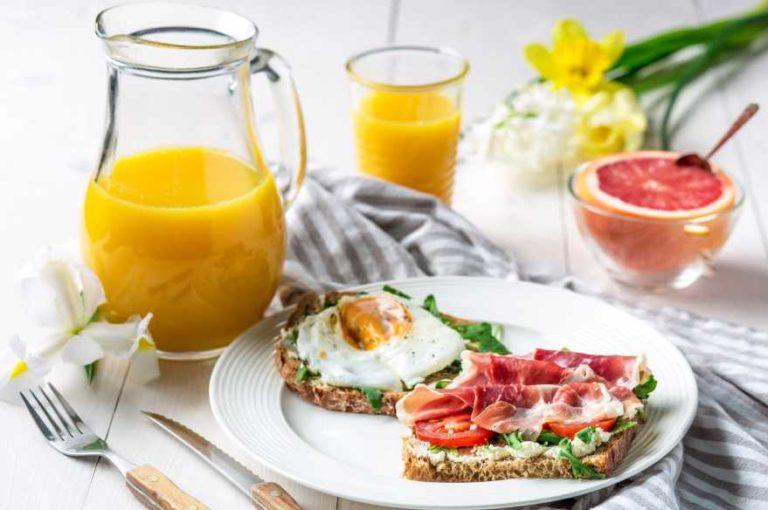 Почему любители пропускать завтрак худеют дольше