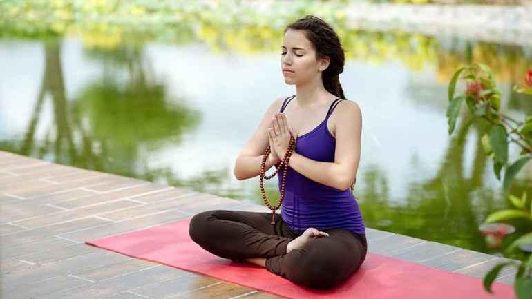 Как бороться с лишними калориями с помощью практики йоги