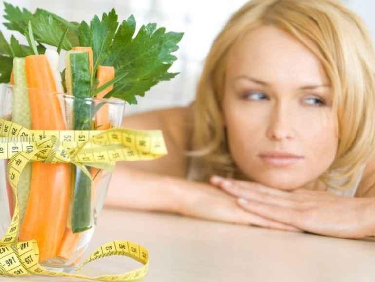 Калории на минимуме: чем опасны низкокалорийные диеты для женского организма?