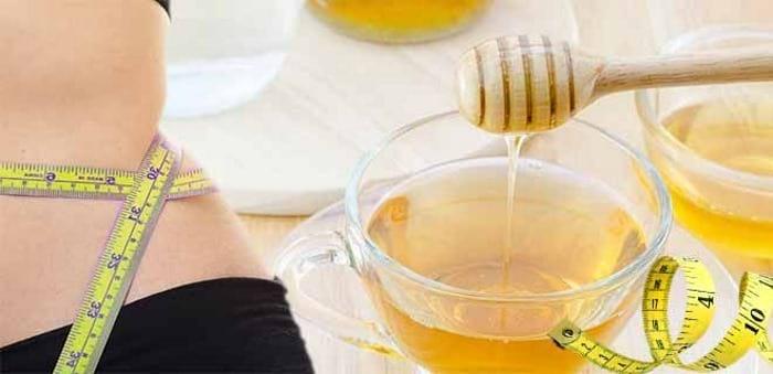Почему медовая вода по утрам полезна всем, кто хочет похудеть