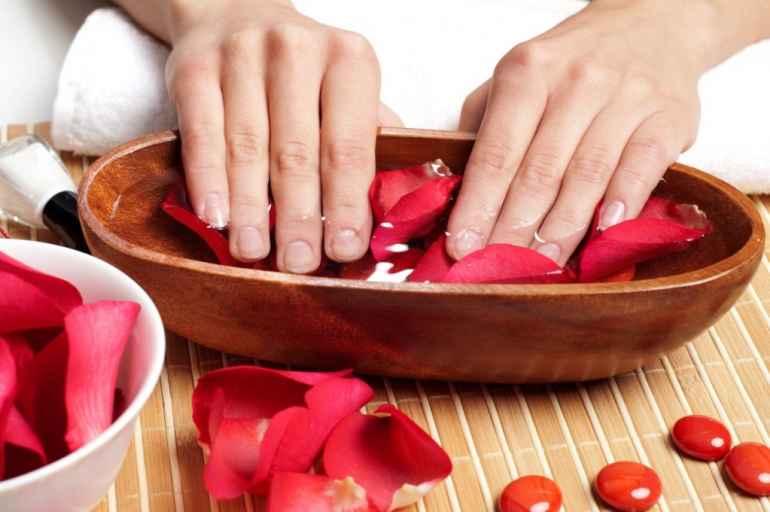 Домашние ванночки из того, что под рукой, для укрепления ногтей