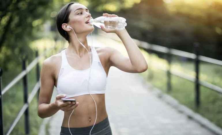 Можно ли пить воду во время тренировки для похудения
